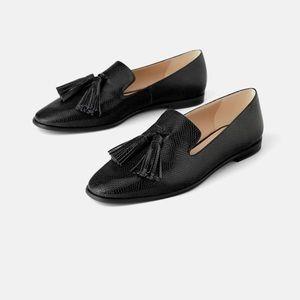 Zara Animal embossed upper front tassels loafers.